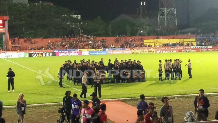 PSM Makassar vs Borneo FC. Copyright: © INDOSPORT/Wira Wahyu Utama