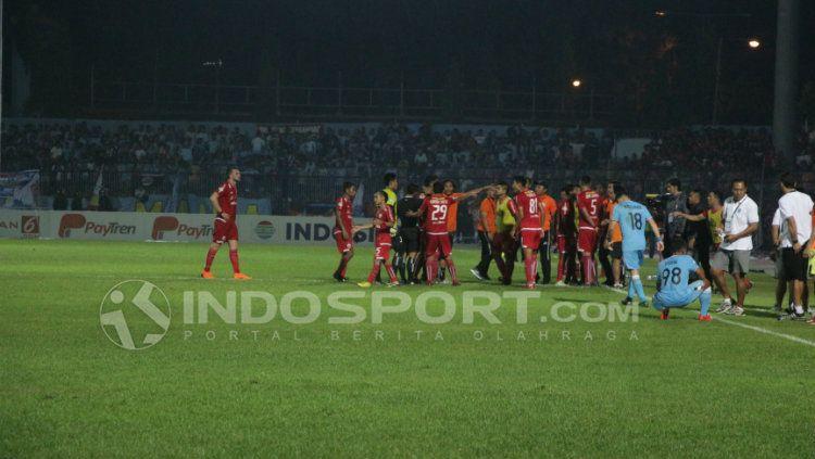 Persela vs Persija. Copyright: © INDOSPORT/Fitra Herdian