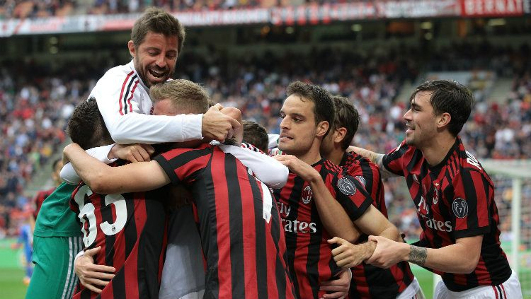 Penggawa AC Milan saat merayakan gol. Copyright: © INDOSPORT