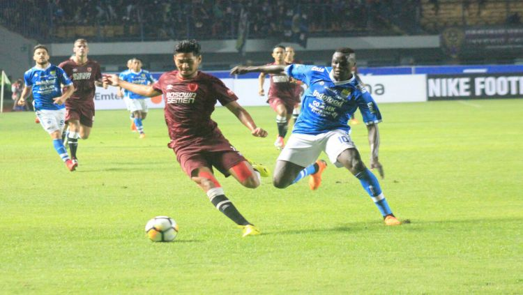 Persib vs PSM Copyright: © Arif Rahman