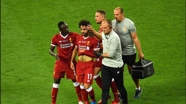 Mohamed Salah menangis saat ditarik keluar Copyright: © Getty Images