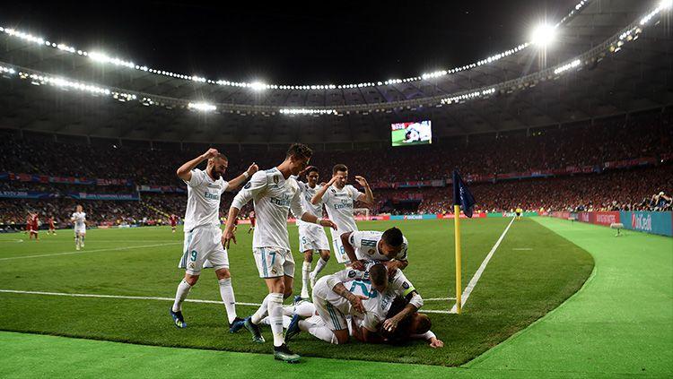 Para pemain Madrid merayakan gol Benzema Copyright: © Getty Images