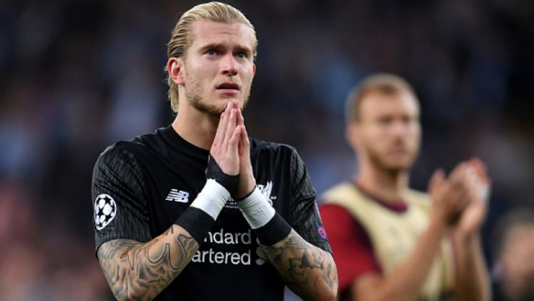 Loris Karius (kiri) meminta maaf. Copyright: © Getty Images