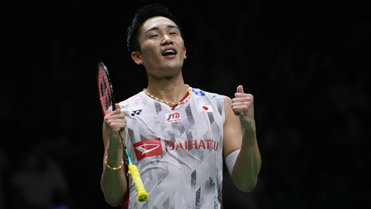 Kento Momota usai kalahkan Chen Long. Copyright: © Getty Images