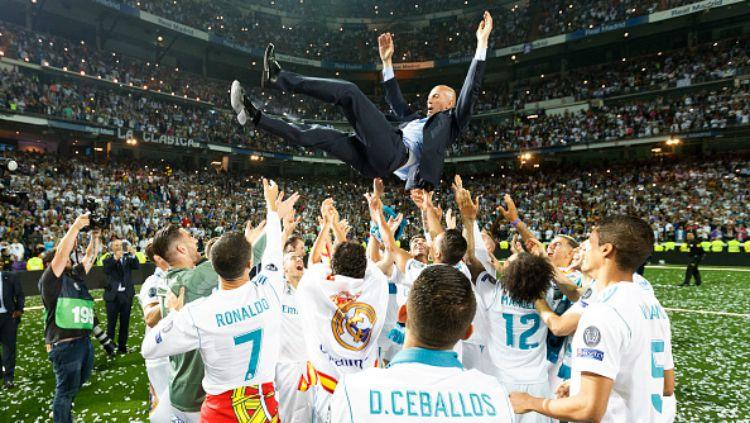 Zinedine Zidane dan Real Madrid usai juara Liga Champions 2017/18. Copyright: © INDOSPORT