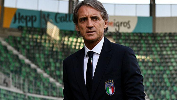Roberto Mancini kian dekat pecahkan rekor Timnas Italia usai menang atas Yunani di babak kualifikasi Euro 2020. Copyright: © INDOSPORT