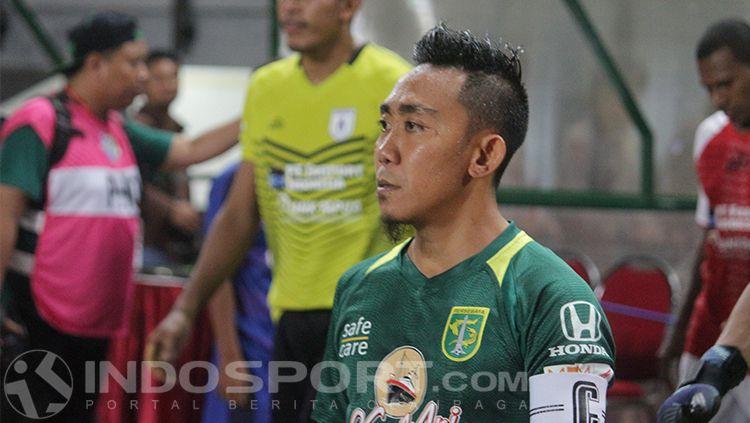 Rendi Irwan, kapten Persebaya Surabaya. Copyright: © INDOSPORT/Fitra Herdian