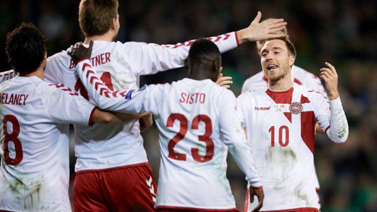 Timnas Denmark saat melalukan selebrasi usai cetak gol. Copyright: © Getty Images