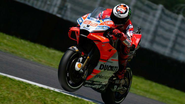 Jorge Lorenzo catat waktu tercepat di sesi latihan bebas kedua MotoGP Catalunya. Copyright: © Getty Images