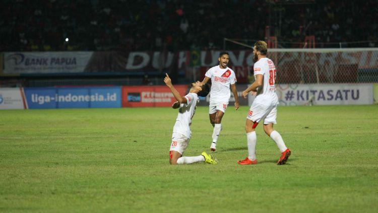 Abdul Rahman merayakan gol ke gawang Persipura Jayapura pada pekan ke-12 Liga 1 2018. Copyright: © Media PSM Makassar