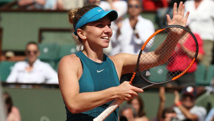 Simona Halep pernah tumbang lantaran kelelahan bermain tenis. Copyright: © Getty Images