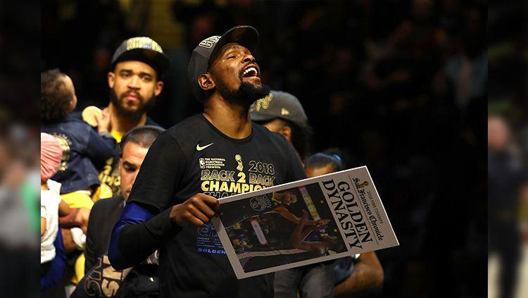 Selebrasi Kevin Durant di NBA Final 2018. Copyright: © Gregory Shamus/Getty Images