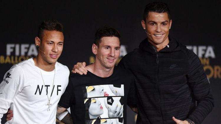 Alih-alih selamatkan karier Lionel Messi dari Barcelona yang kian menyedihkan, Neymar malah bisa bantu Cristiano Ronaldo gabung raksasa Ligue 1 Prancis, PSG. Copyright: © Getty Images