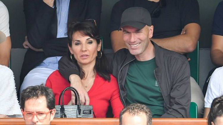 Zinedine Zidane bersama sang istri, Veronique. Copyright: © INDOSPORT