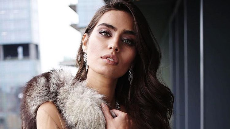Miss Turki 2014, Amine Gulse dan juga kekasih Mesut Ozil. Copyright: © Instagram@AmineGulse