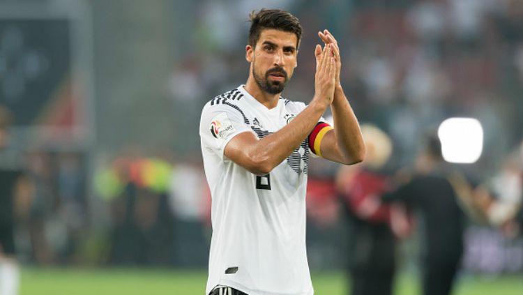 Sami Khedira menjadi salah satu bintang Juventus yang terancam dengan bergabungnya Maurizio Sarri. Copyright: © Getty Images