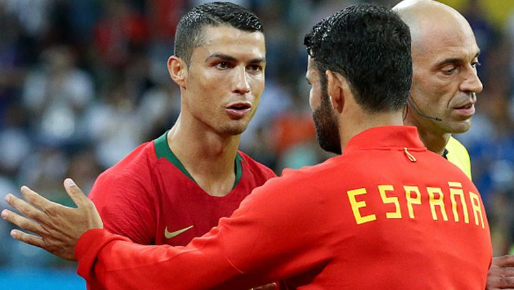 Striker Timnas Portugal, Cristiano Ronaldo (kiri) dan Diego Costa, striker Timnas Spanyol. Copyright: © INDOSPORT