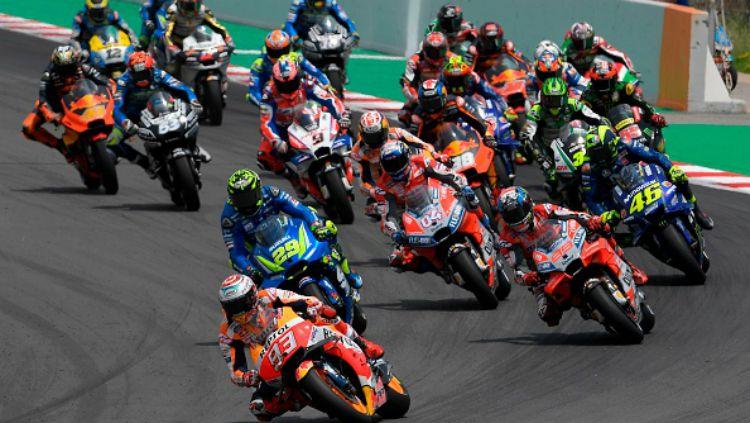 Marc Marquez ketika memimpin balapan MotoGP Catalunya 2018. Copyright: © Getty Images
