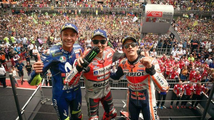 Podium MotoGP Catalunya: Valentino Rossi, Jorge Lorenzo, Marc Marquez Copyright: © INDOSPORT