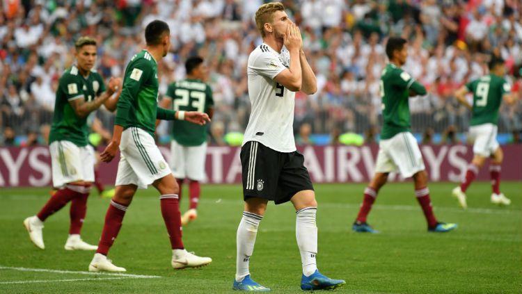 Timo Werner saat gagal mencetak gol dalam laga Jerman vs Meksiko, Minggu (17/06/18). Copyright: © Getty Images