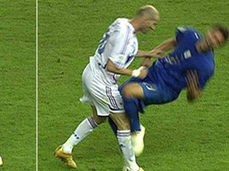 4 Aksi Brutal Pemain Bintang di Piala Dunia