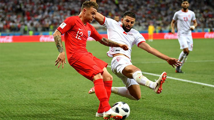 Bek Kanan Inggris Kieran Trippier (merah) Copyright: © Getty Images