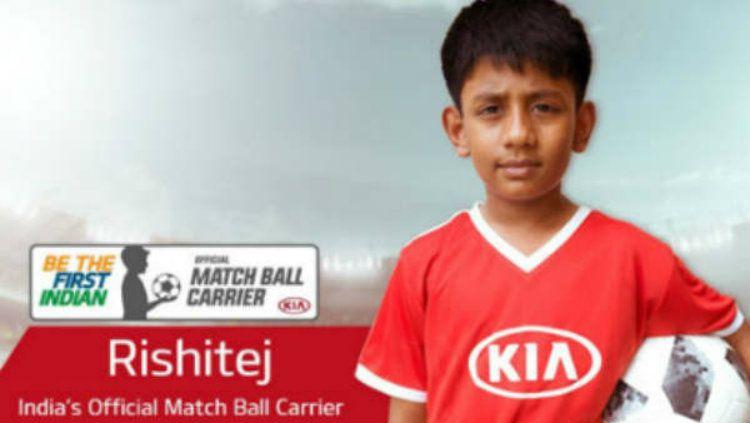 Rishi Tej berhasil memecahkan rekor anak India pertama yang hadir di Piala Dunia. Copyright: © MyKhel Telugu