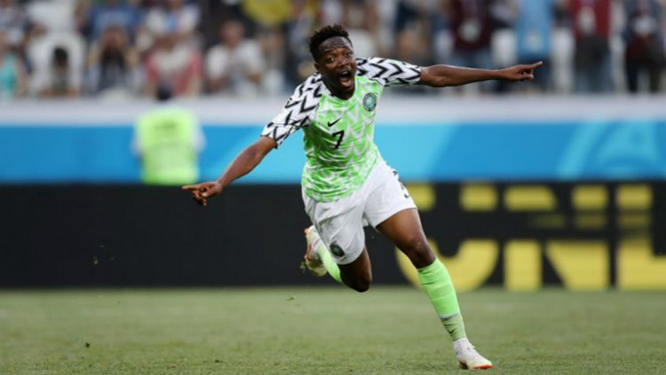 Penyerang Timnas Nigeria, Ahmed Musa saat merayakan golnya ke gawang Islandia. Copyright: © fifa.com