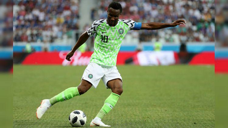 John Obi Mikel, kapten Nigeria di Piala Dunia 2018 dalam laga melawan Islandia. Copyright: © Getty Images