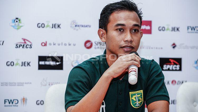 Abu Rizal Maulana pemain yang hadir pada pre match presa conference. Senin (25/6/18). Copyright: © Fitra Herdian