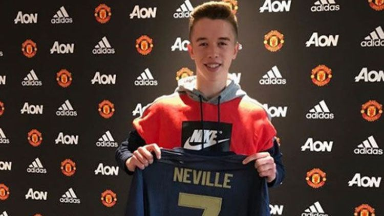 Harvey Neville putra legenda Man United, Phil Neville Copyright: © Mirror UK