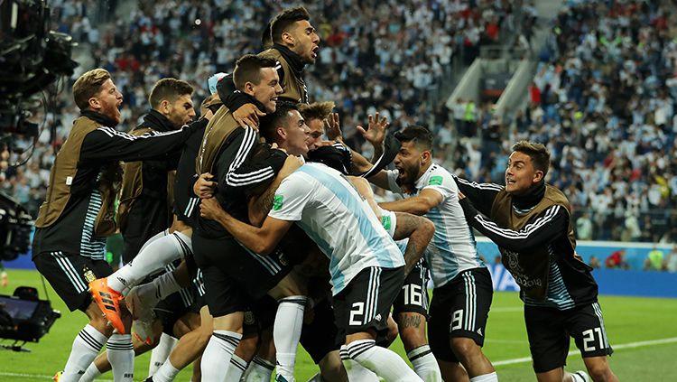 Para pemain Argentina merayakan gol yang dicetak Marcos Rojo. Copyright: © Getty Images