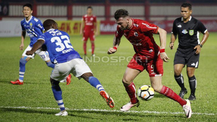 Persija Jakarta vs Persib Bandung Copyright: © Herry Ibrahim/Indosport.com