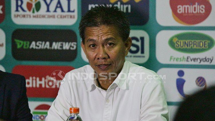 Hoang Anh Tuan  dalam jumpa pers. Copyright: © Fitra Herdian/Indosport