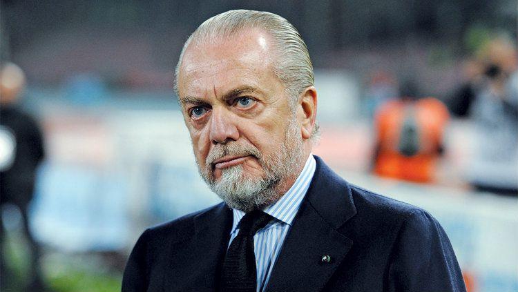 Presiden klub Serie A Italia Napoli, Aurelio De Laurentiis, belum lama ini kembali menyinggung Maurizio Sarri dalam wawancara dengan media Italia. Copyright: © Variety