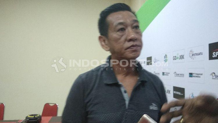 Pelatih Persipura, Tony Ho. Copyright: © Sudjarwo/INDOSPORT
