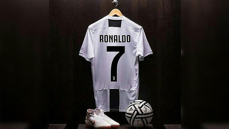 Ilustrasi jersey Cristiano Ronaldo di Juventus. Copyright: © Istimewa
