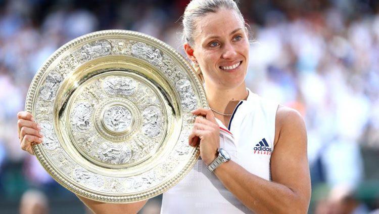 Angelique Kerber memenangkan Wimbledon 2018 usai mengalahkan Serena William, Sabtu (14/07/18). Copyright: © The New Daily