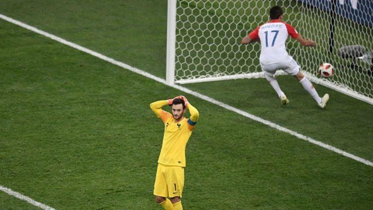 Hugo Lloris lakukan blunder di final Piala Dunia 2018. Copyright: © Getty Images