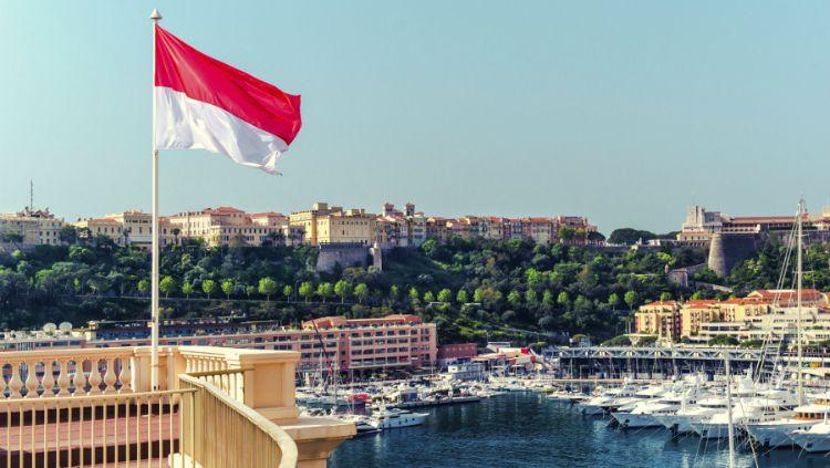 Bendera Monaco yang sangat mirip dengan Indonesia. Copyright: © Internet