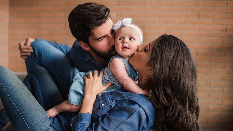 Alisson Becker mengajak keluarganya pergi berlibur setelah menyelesaikan ajang Copa America 2019. Copyright: © Instagram@natalialbecker