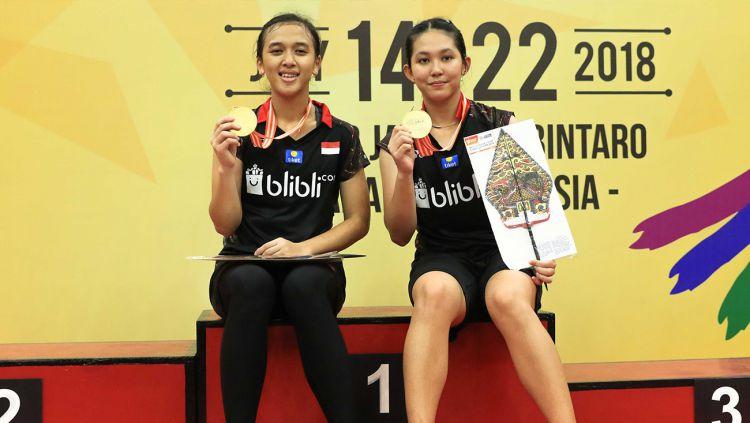 Febriana Dwipuji Kusuma/Ribka Sugiarto berhasil menjuarai Kejuaraan Asia Junior 2018 usai menundukkan pasangan Malaysia Pearly Koong Le Tan/Ee Wei Toh. Copyright: © Humas PBSI
