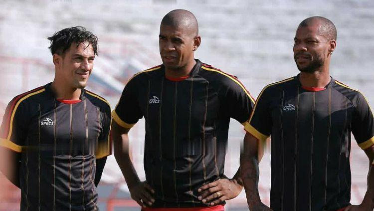 Trio Brasil di Persipura, Addison Alves, Marcio Nascimento, dan Hilton Moreira. Copyright: © Media Officer Persipura