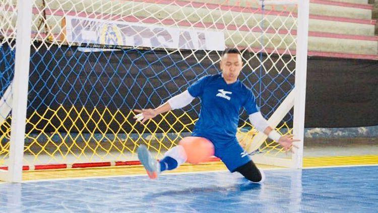 Mantan kiper timnas futsal Indonesia, Tely Sarendra, mengaku khawatir terkait dengan penyebaran virus corona yang kini sudah memasuki Depok, Jawa Barat. Copyright: © ukorpsui