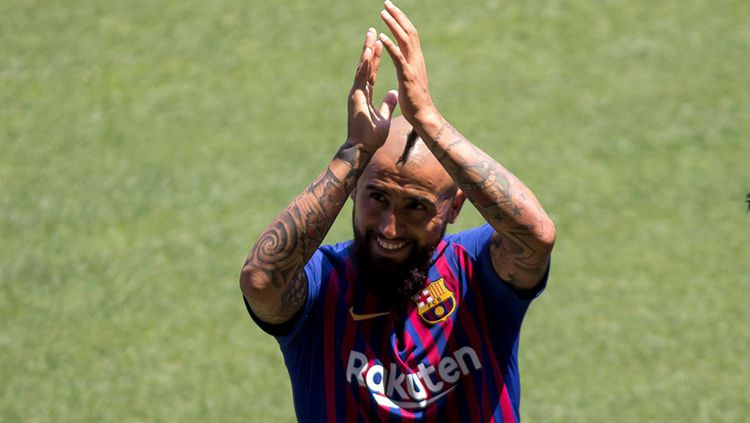 Arturo Vidal terancam gagal gabung Inter Milan karena Barcelona enggan melepasnya dengan status pinjaman. Copyright: © Getty Images