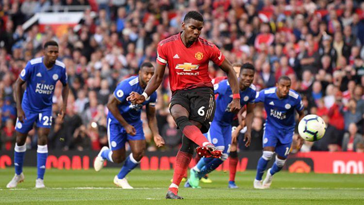 Paul Pogba saat mencetak gol ke gawang leicester Copyright: © INDOSPORT