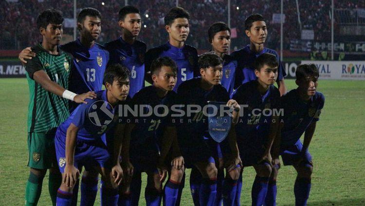 Skuat Thailand U-16 di laga final Piala AFF U-16 antara Indonesia vs Thailand. Copyright: © INDOSPORT/Fitra Herdian