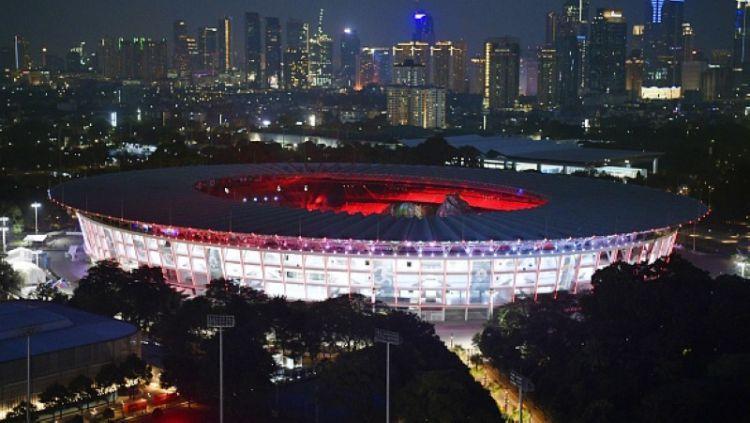 Gelora Bung Karno tampak atas di malam hari. Copyright: © INDOSPORT
