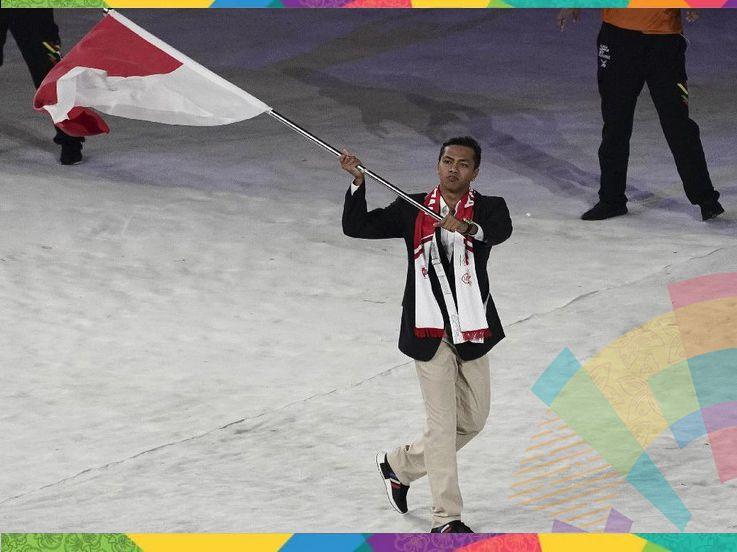 3 Fakta Luar Biasa Siman Sudartawa, Pembawa Bendera Indonesia di Opening Asian Games 2018