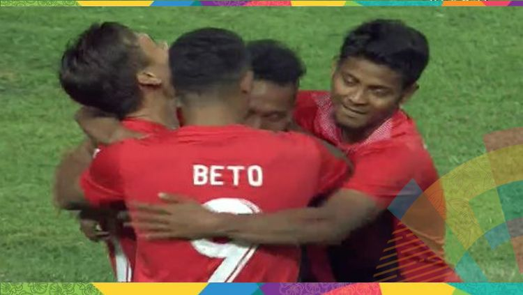 Para pemain Timnas Indonesia merayakan gol yang dicetak Irfan Jaya. Copyright: © Twitter.com/sctv_